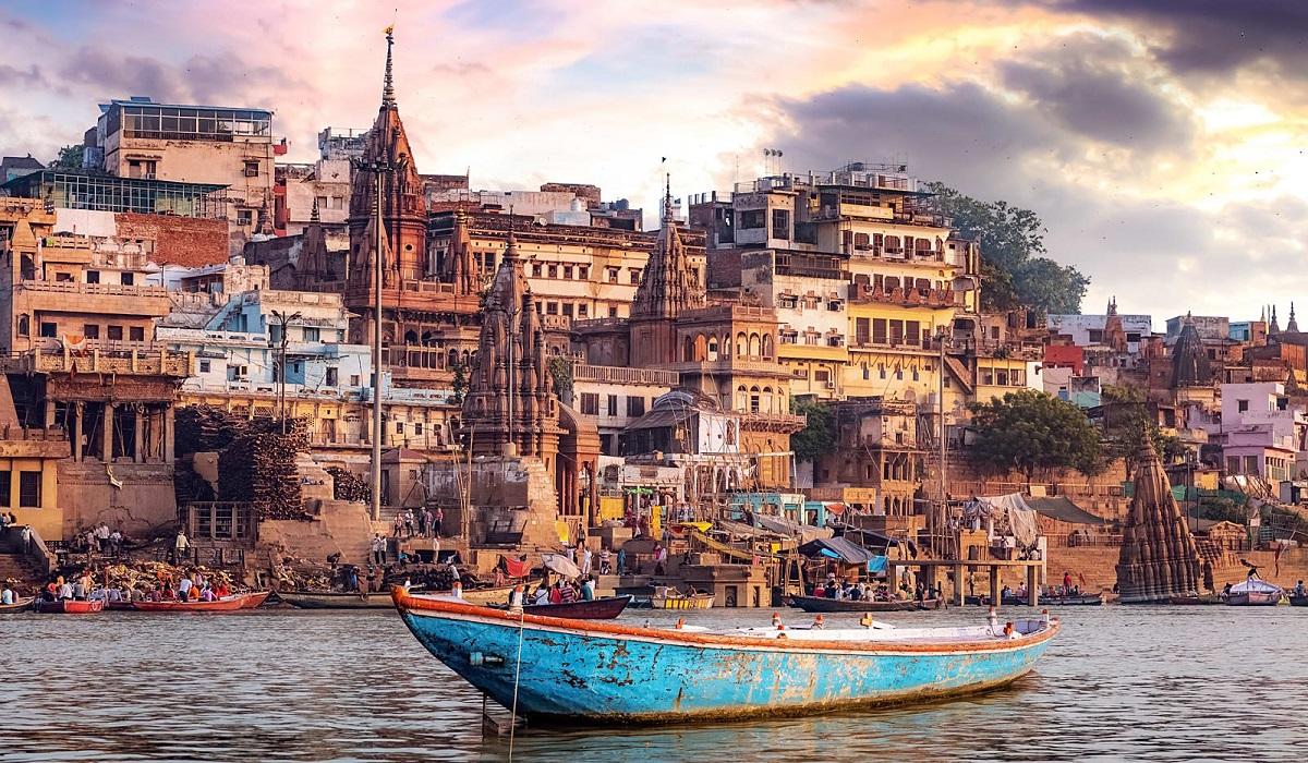 Hotels in Varanasi , premium hotels in varanasi , river view hotel in varanasi, palace on Ganges in varanasi , Ganges hotel in Varanasi, Heritage hotel in varanasi , 3 star hotel, 2star hotel , kashi hotel , premium guest house in Varanasi, palace in varanasi , city hotel varanasi , near kashi vishwanath dham , kashi vishwanath corridor hotel, near Annapurna hotel , budget stay in varanasi, budget hotel in varanasi, Ganges view hotel, river ganga hotel , hotel on Ganges, hotel on ganga ,hotel in dashashwamedh , spa hotel in varanasi , ayurvedic spa , vegetarian restaurant in varanasi,